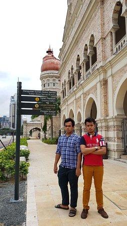 Palais du Sultan Abdul Samad : mejeng depan gedung