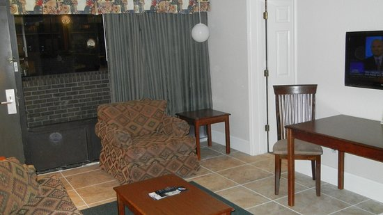 Diamondhead, MS: 1 bedroom Extended Stay Suite  ( Living Room )