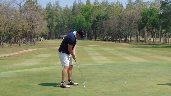 Khao Yoi, Thailand: my brother was golfing! :)