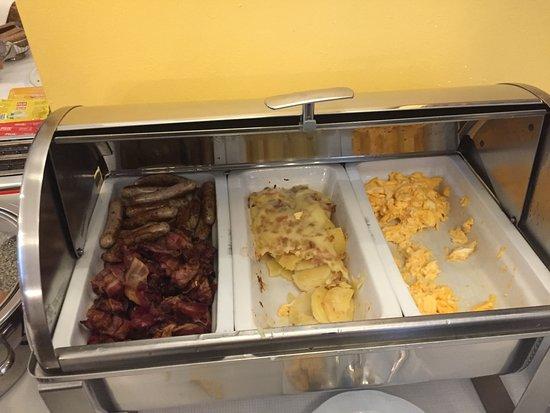 Hotel Domizi: Cooked breakfast options