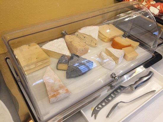 Hotel Domizi: Cheeses