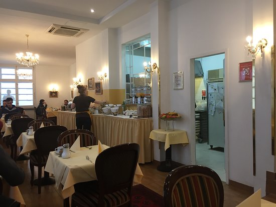 Hotel Domizi: Breakfast area at hotel
