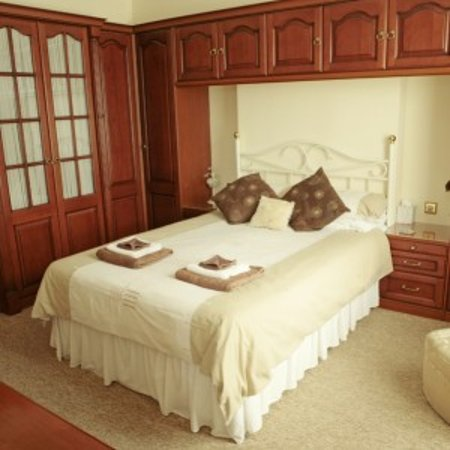 Viking Guest House: Cream Room
