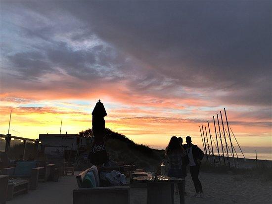 Strandpaviljoen Kaap Noord: Voorjaar 2017 - borrelen tot de zon ondergaat!