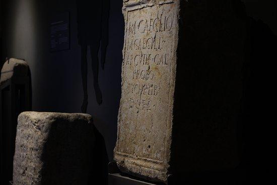 Pedestals de l'antiga Iesso al Museu de Guissona
