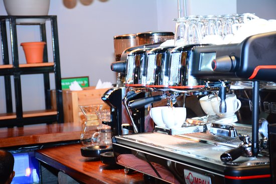 Kesh Kesh Coffee Roastery & Cafe: Our state of the art coffee machines