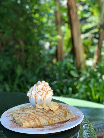 Port Edward, South Africa: Banana Caramel Pancake with cream