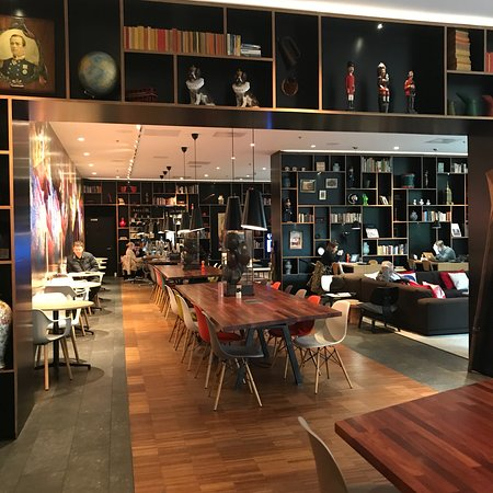 photo8 jpg picture of citizenm tower of london hotel london rh tripadvisor ie