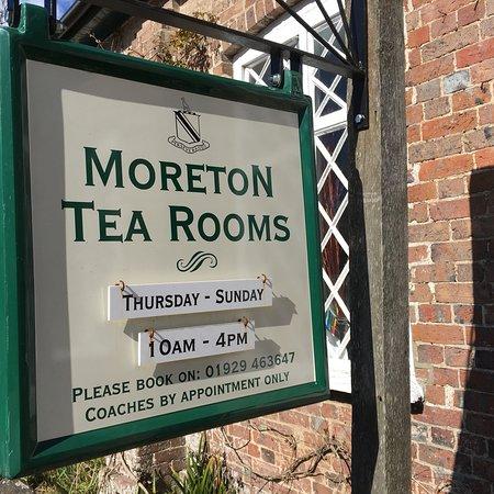 Moreton, UK: photo0.jpg