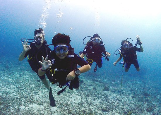 Oktavia Dive Center: Similan Islands Liveaboard.  An amazing experience for the whole family.