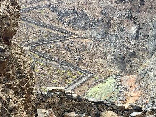 Ribeira Brava, Cape Verde: Steap road