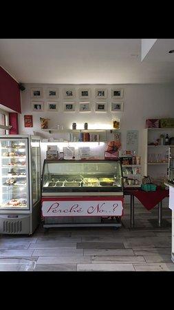 Besnate, Italy: Colazione, pranzo, aperitivo e..cena! Perché No?