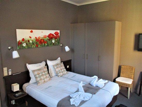 Ambrosia Hotel: room for 4