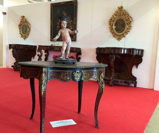 mobili palazzo antico Calitri. CAPUTO ANTIQUARIATO collezione privata