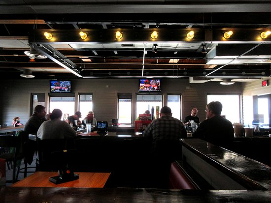 East Wareham, MA: Bar view