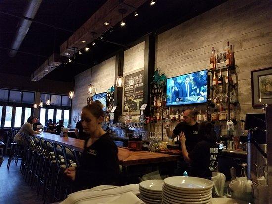 Glastonbury, CT: The bar