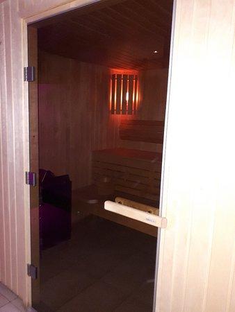 porte vers le sauna