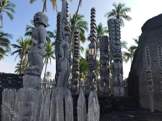 Honaunau, Hawái: The famous statues