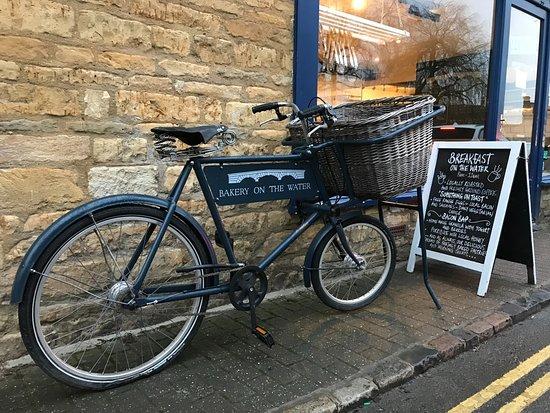 Bakery on the Water: Nice vintage bike!