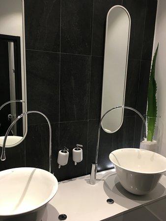 toilettes haut de gamme - Picture of Maison H, Douala ...