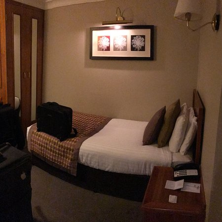 Handforth, UK: Room 401: Single bed room