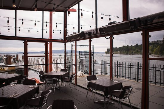 Mill Bay, Kanada: Bridgemans Patio