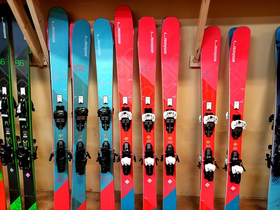 Whistler, Canadá: Large selection ski and snowboard equipment