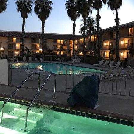 DoubleTree by Hilton Bakersfield: photo0.jpg
