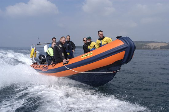 Newtownards, UK: DV Diving's 8m RIB in Strangford Lough