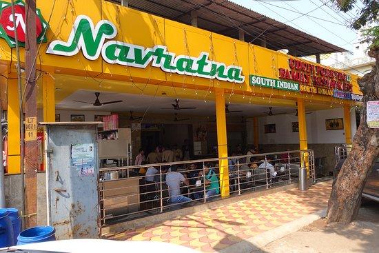 Quick service & reasonable price vegetarian option