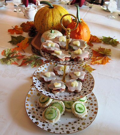 Berryville, VA: Turkey and cucumber sandwiches at one of Rosemont's fall teas