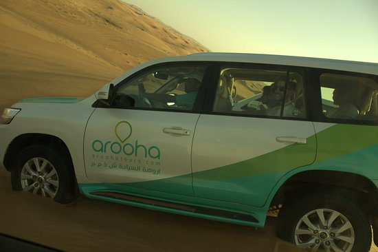 Arooha Tours: Dune Bashing