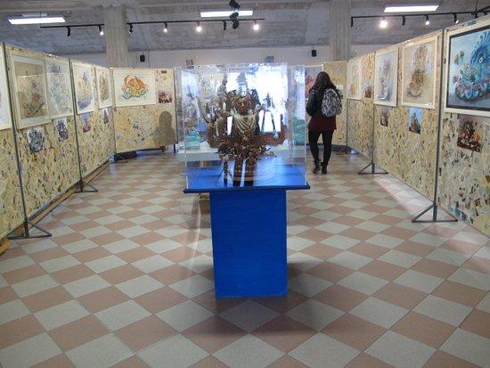 Cittadella del Carnevale: More artwork depicting past floats