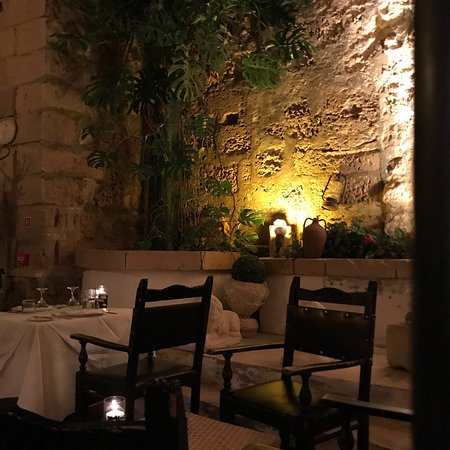 Where to Eat in Mdina: The Best Restaurants and Bars