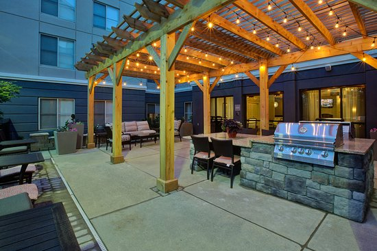 Miamisburg, OH: Patio Area
