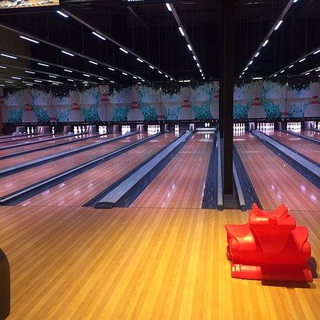 Tilburg, The Netherlands: Dolfijn Bowling