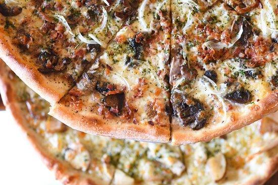 Lynnfield, ماساتشوستس: Mushroom, Bacon & Vidalia Onion Pie