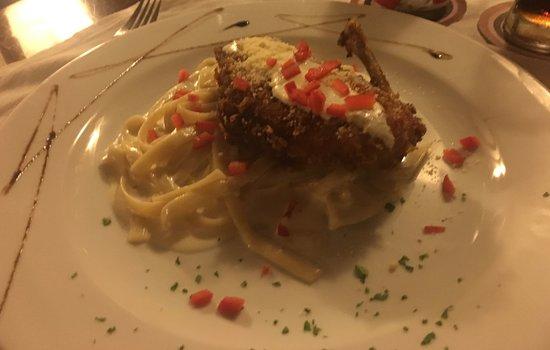 ONIX Restaurant Bar: Chicken with Pasta