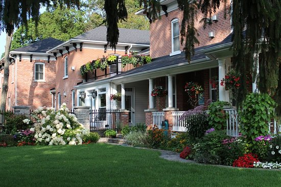 Westlawn Bed and Breakfast