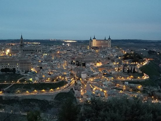 Parador de Toledo: Can you believe this view!! Was taken from our balcony!