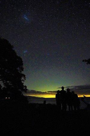 Tryphena, New Zealand: Stargazers admiring the Magellanic Clouds