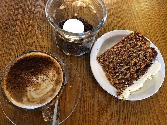 Islip, UK: Coffee and cake