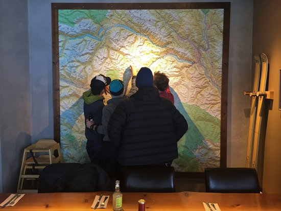 Mile One Eating House: guests enjoying our backcountry map