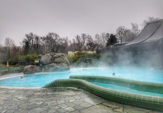 Taunus therme inside pools bild von taunus therme bad homburg tripadvisor - Bad homburg swimming pool ...