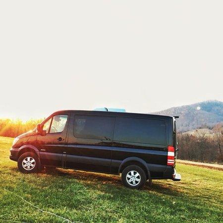 Monticello Wine Tour And Coach Co Charlottesville Va