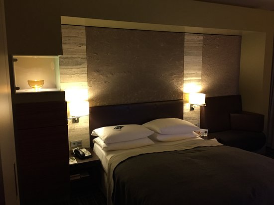 Dorint Hotel am Heumarkt Koln: Sehr wohnlich!