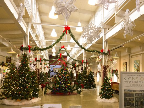 Springfield, VT: Festival of trees