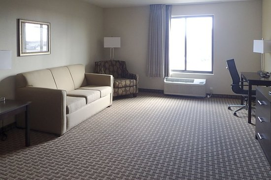 Bridgeton, MO: Suite