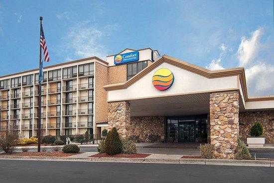 Comfort Inn & Suites : Exterior