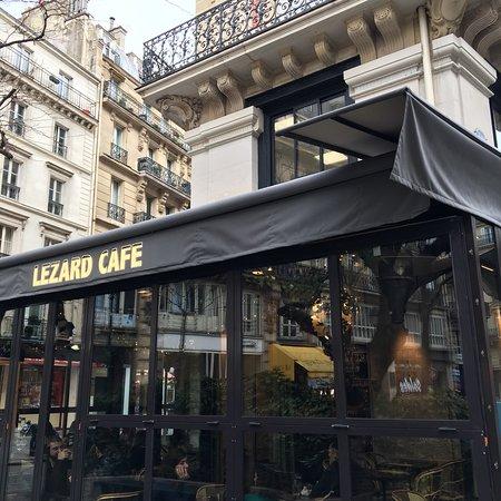 restaurant lezard cafe dans paris avec cuisine fran aise. Black Bedroom Furniture Sets. Home Design Ideas